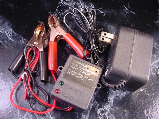 12 volt DC AUTOMATIC BATTERY FLOAT CHARGER keeps battery Charged Trickle Auto