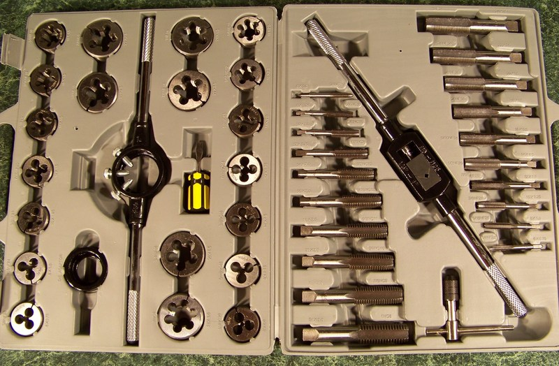 45pc TUNGSTEN Steel TAP and DIE SET METRIC