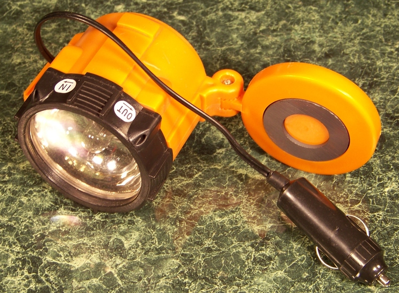 12 Volt EMERGENCY LIGHT with MAGNETIC BASE