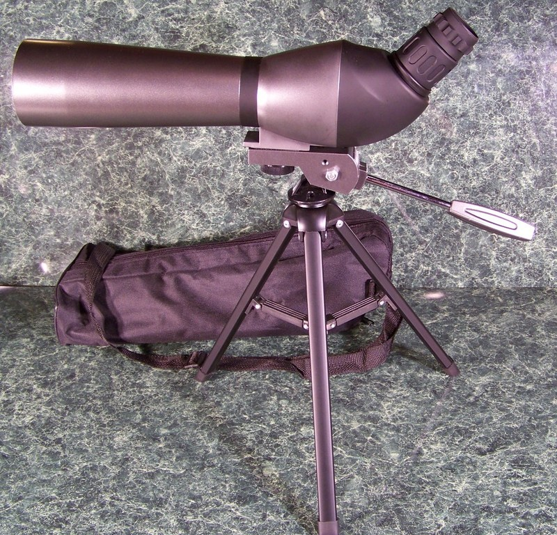 SPOTTING SCOPE with CASE and TRIPOD 20-60x 60mm