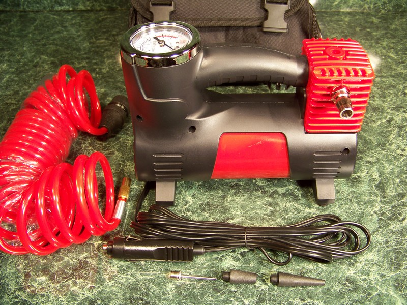 12 Volt Heavy Duty AIR COMPRESSOR with STORAGE BAG, HOSE, and More